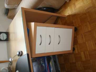 lire une petite annonce propose vendre bureau ikea mikael. Black Bedroom Furniture Sets. Home Design Ideas