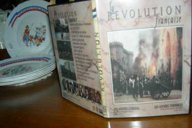 Photo : Propose à vendre DVD Drame - Politique - LA REVOLUTION FRANCAISE(1989) 2PARTIES - ROBERT ENRICO ET RICHARD HEFFRON