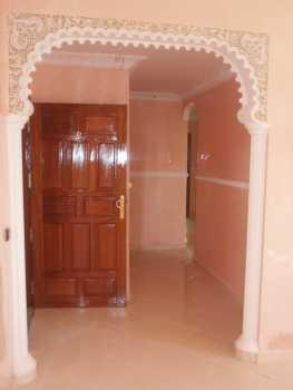 Lire une petite annonce propose vendre 4 pi ces 88 m2 for Peinture salon maroc violet