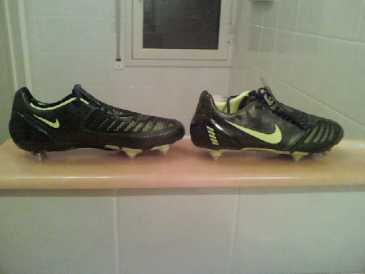 Photo : Propose à vendre Chaussures Homme - NIKE - NIKE TOTAL 90 LASER 2