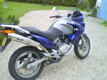 lire une petite annonce propose vendre moto 125 cc honda xlr. Black Bedroom Furniture Sets. Home Design Ideas