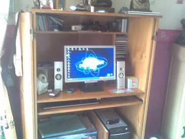 Lire une petite annonce propose vendre meuble d for Meuble ordinateur ferme