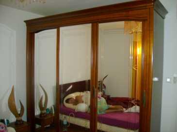 lire une petite annonce propose vendre armoire celio. Black Bedroom Furniture Sets. Home Design Ideas