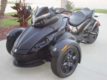 lire une petite annonce propose vendre moto 10821 cc can am. Black Bedroom Furniture Sets. Home Design Ideas