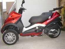 lire une petite annonce propose vendre scooter 400 cc piaggio. Black Bedroom Furniture Sets. Home Design Ideas