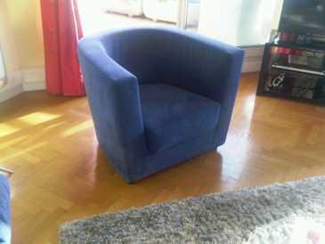 lire une petite annonce propose vendre 2 fauteuils ligne roset. Black Bedroom Furniture Sets. Home Design Ideas