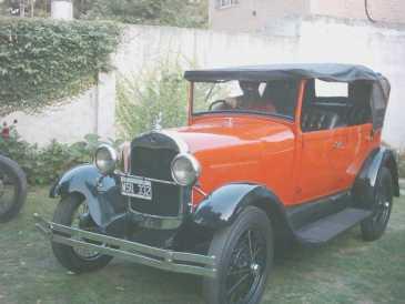 lire une petite annonce propose vendre voiture de collection ford. Black Bedroom Furniture Sets. Home Design Ideas