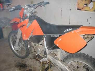 Propose à vendre moto 200 cc - ktm - exc : 2 700 eur (2 909 usd )