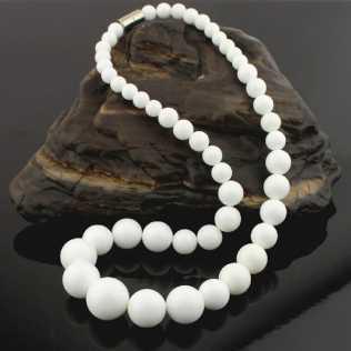 collier fantaisie blanc