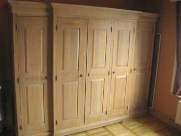 lire une petite annonce propose vendre armoire. Black Bedroom Furniture Sets. Home Design Ideas