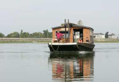 lire une petite annonce propose vendre bateau max. Black Bedroom Furniture Sets. Home Design Ideas
