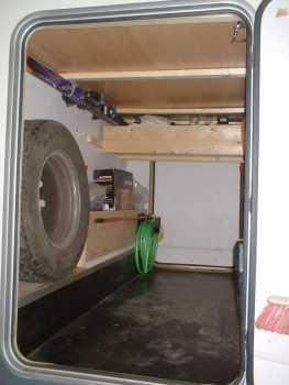 lire une petite annonce propose vendre camping car minibus elnagh. Black Bedroom Furniture Sets. Home Design Ideas