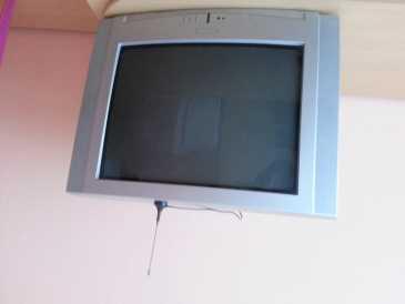 chercher des petites annonces tv et projecteurs. Black Bedroom Furniture Sets. Home Design Ideas