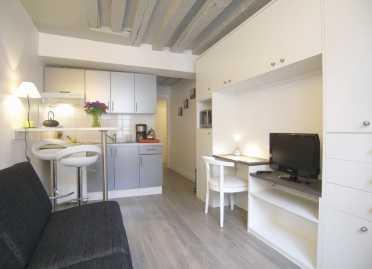 Chercher des petites annonces appartements chambre a for Chambre 8 metre carre