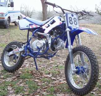 lire une petite annonce propose vendre moto 110 cc lc racing. Black Bedroom Furniture Sets. Home Design Ideas