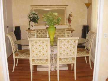 chercher des petites annonces meubles paris et idf. Black Bedroom Furniture Sets. Home Design Ideas