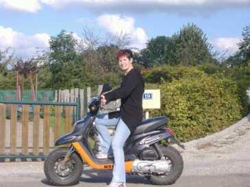 lire une petite annonce propose vendre scooter 50 cc mbk booster. Black Bedroom Furniture Sets. Home Design Ideas