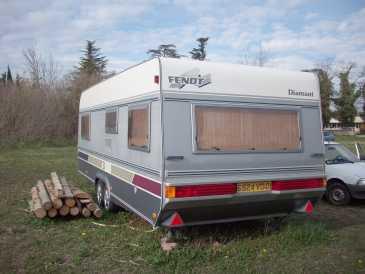 lire une petite annonce propose vendre caravane et remorque fendt. Black Bedroom Furniture Sets. Home Design Ideas