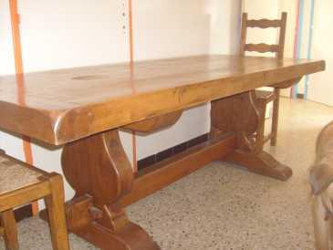 lire une petite annonce propose vendre table chene massif meubles. Black Bedroom Furniture Sets. Home Design Ideas