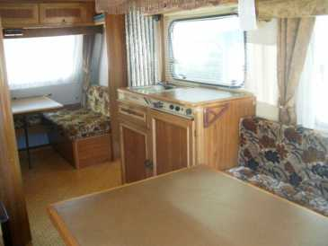 Advisto caravanes et remorques vehicule occasion for Store interieur caravane